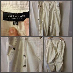 Cargo pocket cropped pants